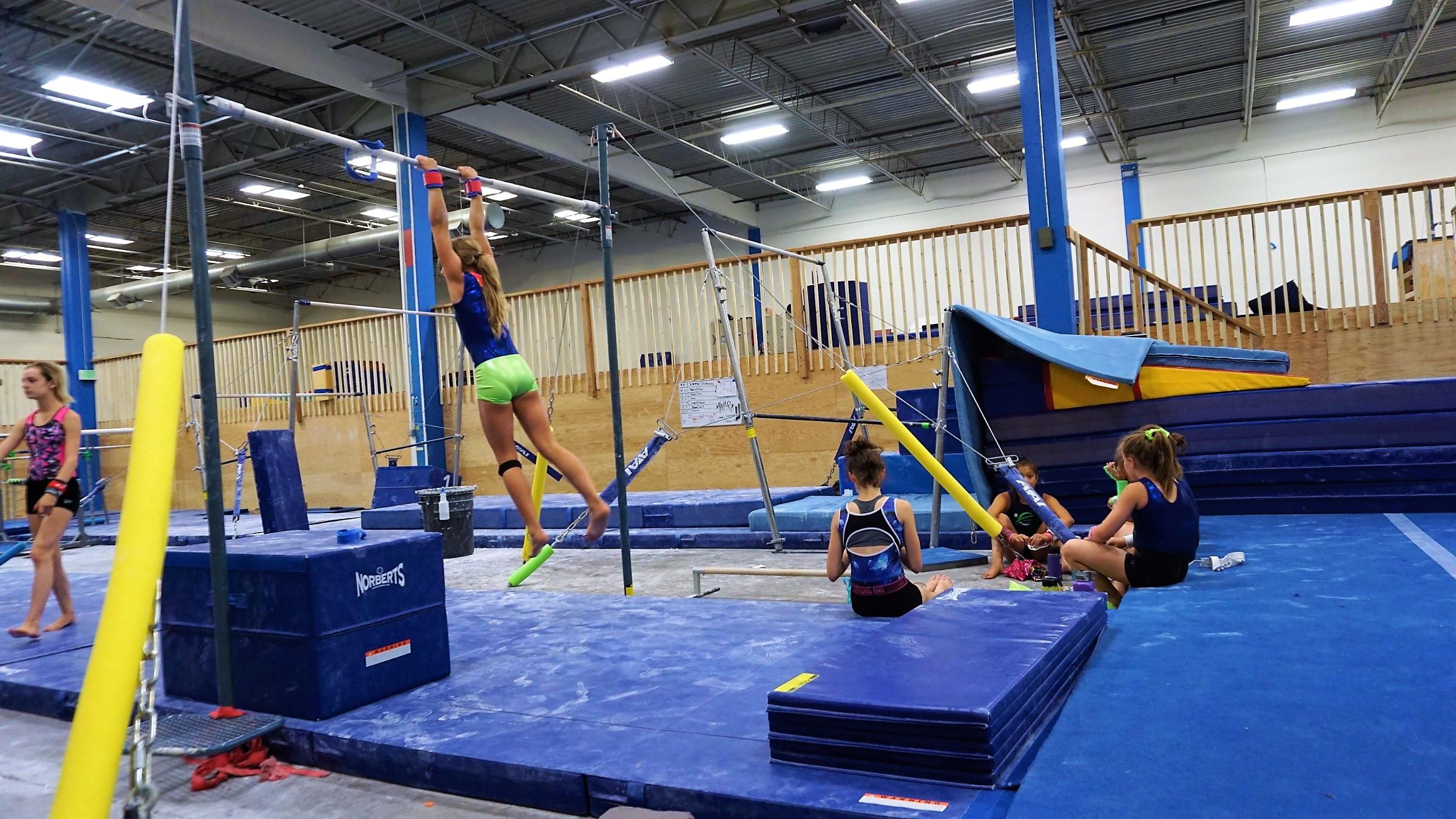 gymnastics_bar